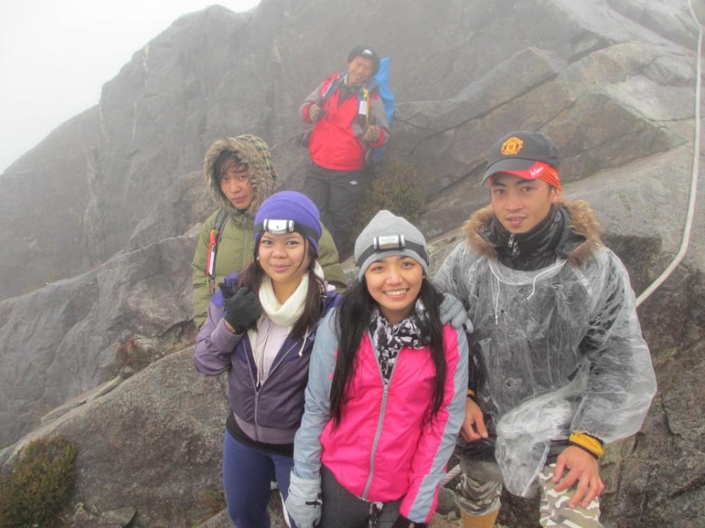 2 Day Hike Mount Kinabalu Malaysia Low's Peak - Guides