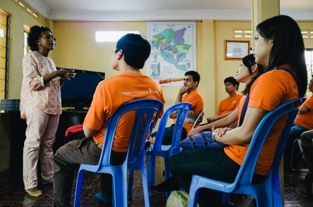 Volunteer in Asia Cambodia Siem Reap Water for Life Talk