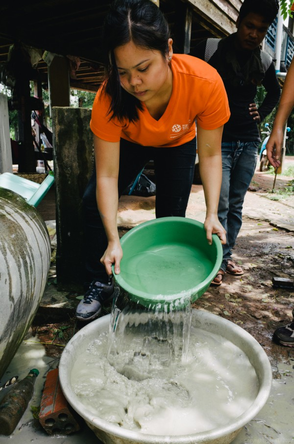 Volunteer in Asia Cambodia Siem Reap Water for Life Step 3