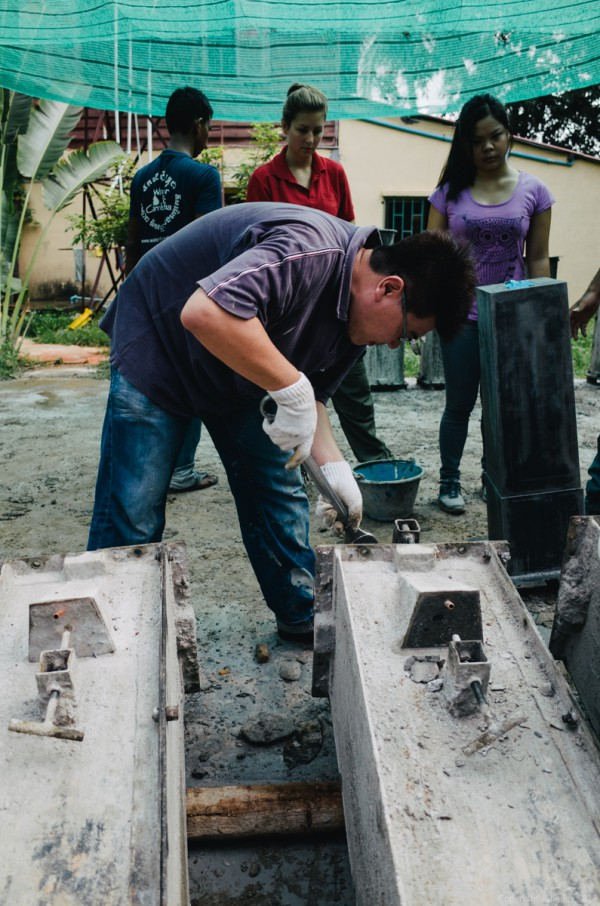 Volunteer in Asia Cambodia Siem Reap Water for Life Bolts