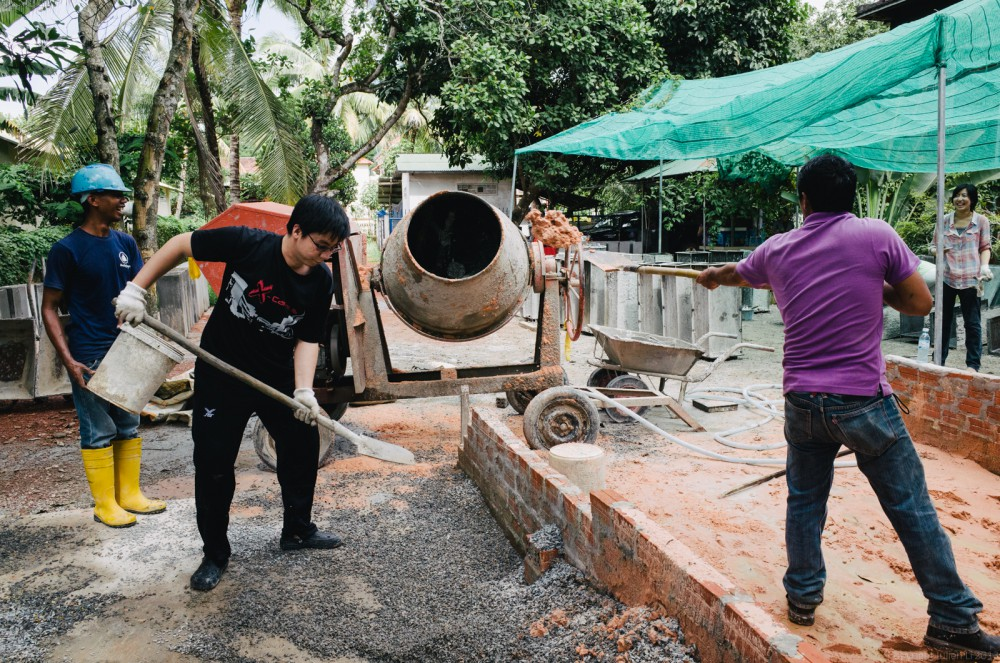 Volunteer in Asia Cambodia Siem Reap Water for Life Mix