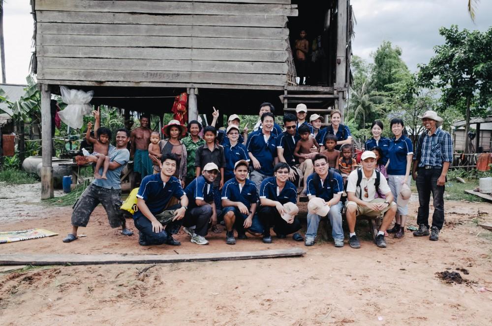 Volunteer in Asia Cambodia Siem Reap Water for Life Volunteers and Locals