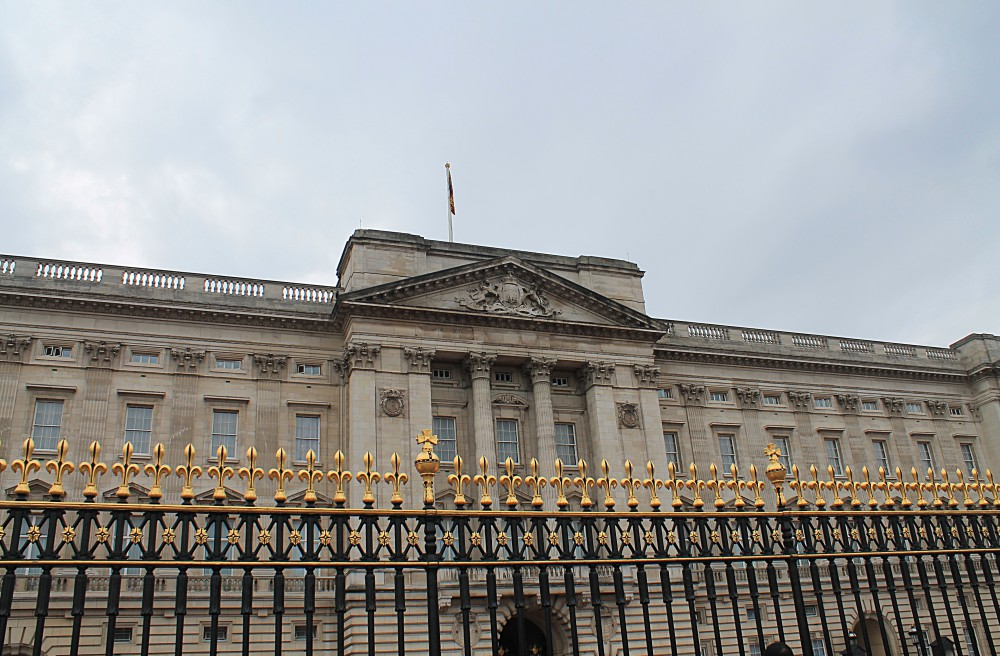 Buckingham-Palace - Things to Do in London England - First Timer's Guide
