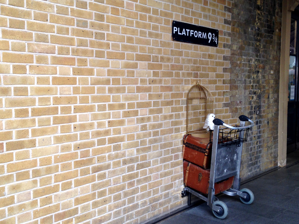 Harry Potter Express Platform - Things to Do in London England - First Timer's Guide
