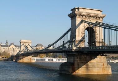 Fall in Love Beautiful Budapest Hungary - Chain Bridge