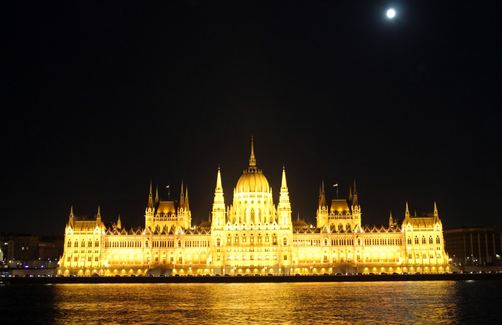 parliament-hungary-at-night