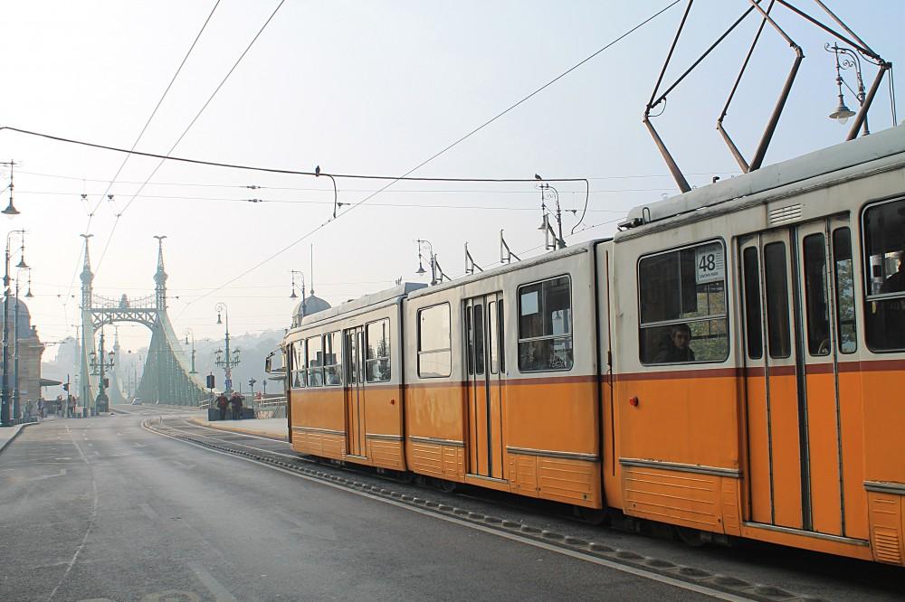 hungary-budapest-tram-bridge