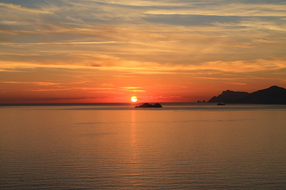 Amalfi Coast: A Romantic Day Trip in Italy Sunset Praiano
