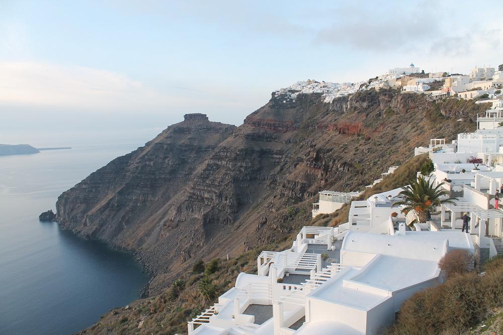 The Contrasting Colours of Santorini: A Dream Destination Volcanic Island Fira