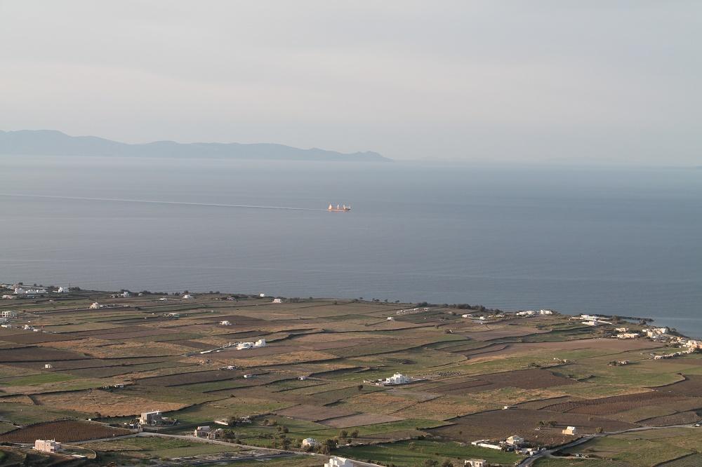 The Contrasting Colours of Santorini: A Dream Destination Fields