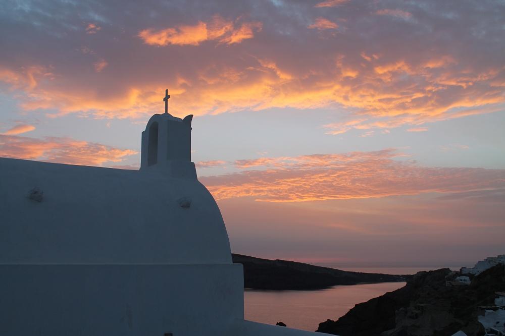 The Contrasting Colours of Santorini: A Dream Destination Sunset Oia