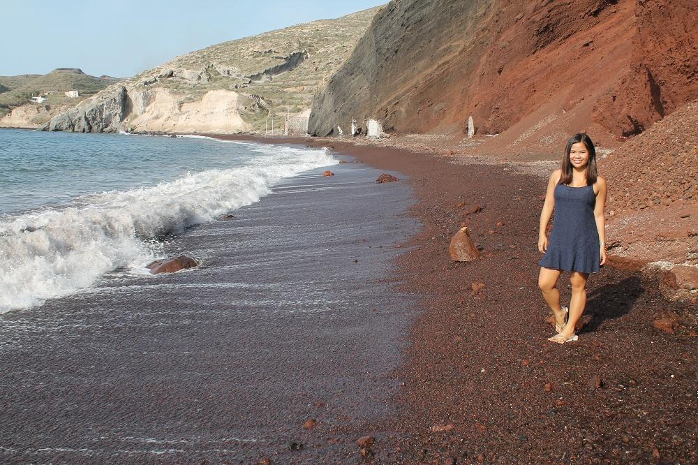 The Contrasting Colours of Santorini: A Dream Destination Red Beach Gia