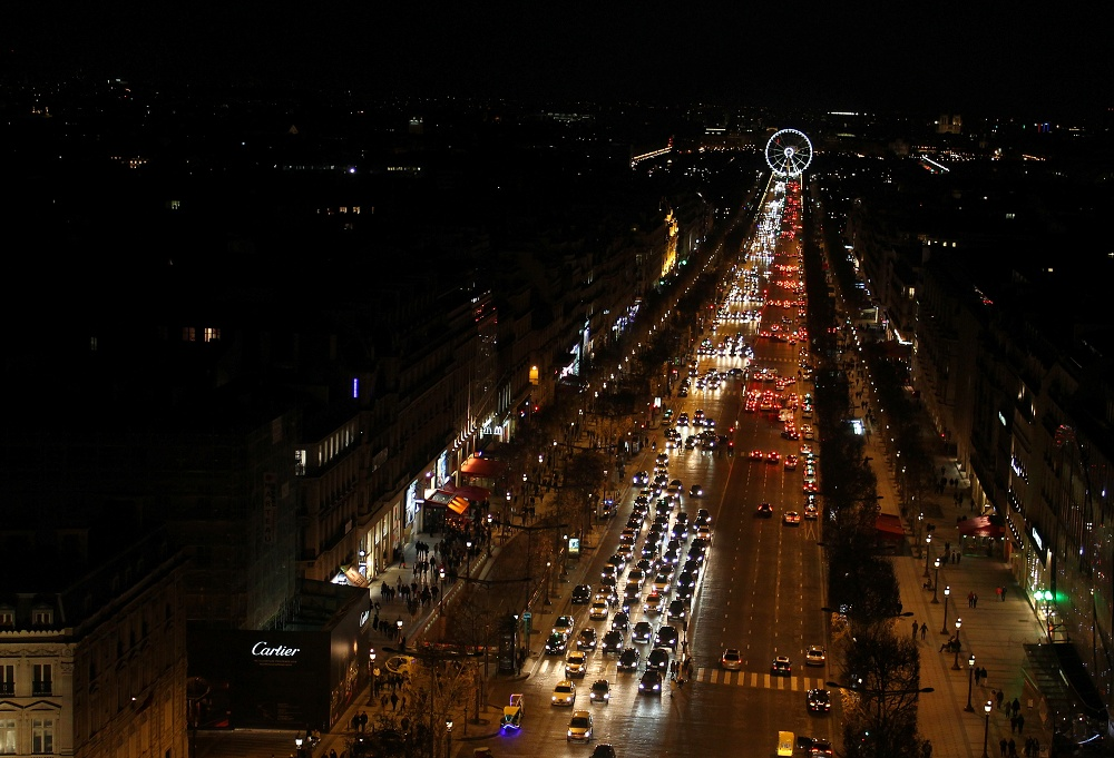 Weekend Arts Romance - 2 Days in Paris France - Arc d Triomphe Street
