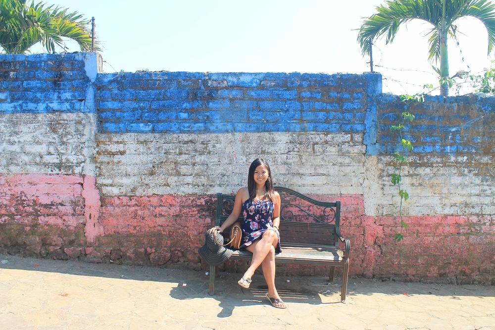 Backpacking Fashion - Female Travel - Struggles - El Salvador