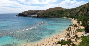 Snorkelling in Hanauma Bay Backpacking in Oahu Hawaii