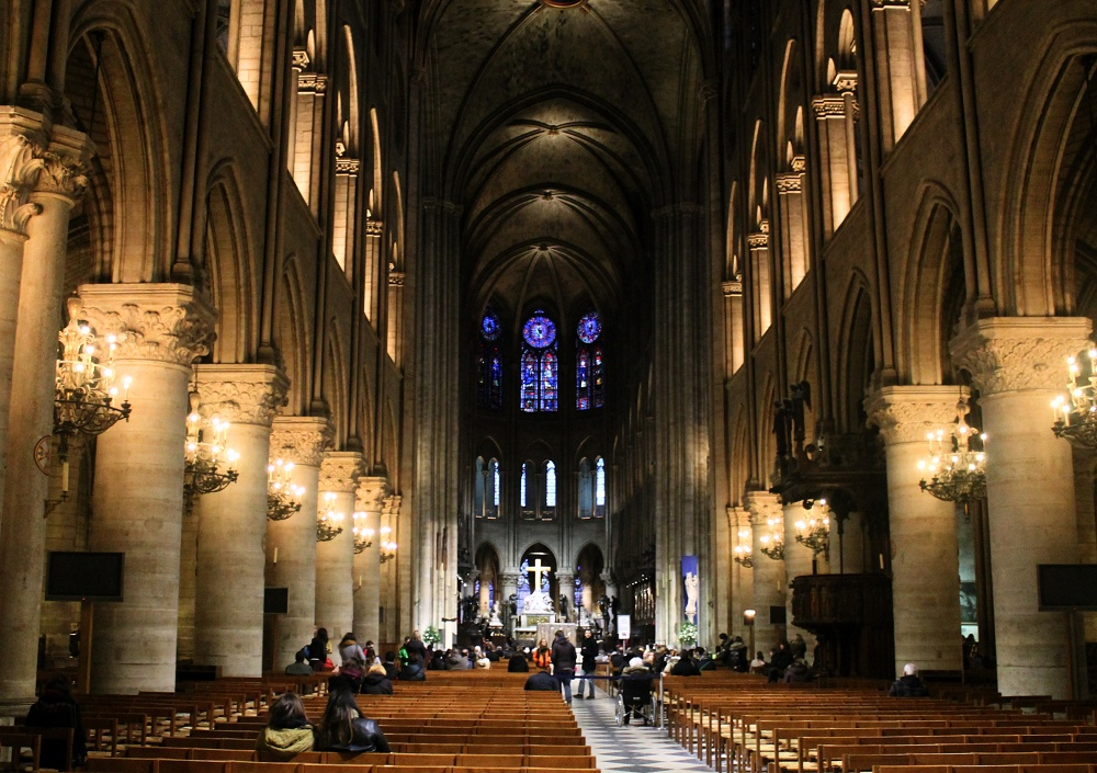 Weekend Arts Romance - 2 Days in Paris France - Notre Dame Cathedral Interior