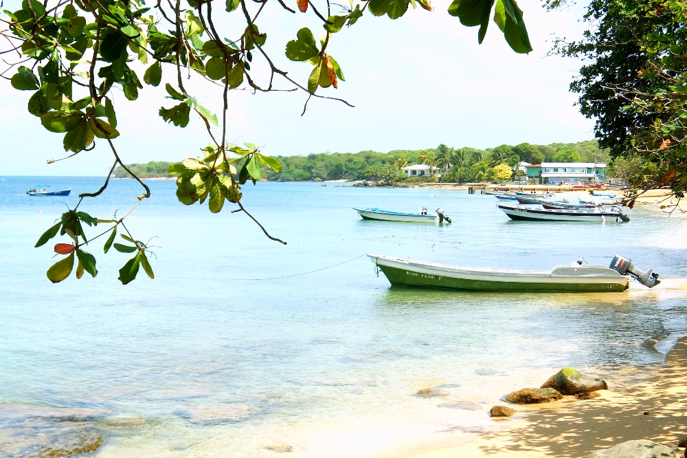 Budget Carribbean - Little Corn Island Nicaragua - Main Pier Panga