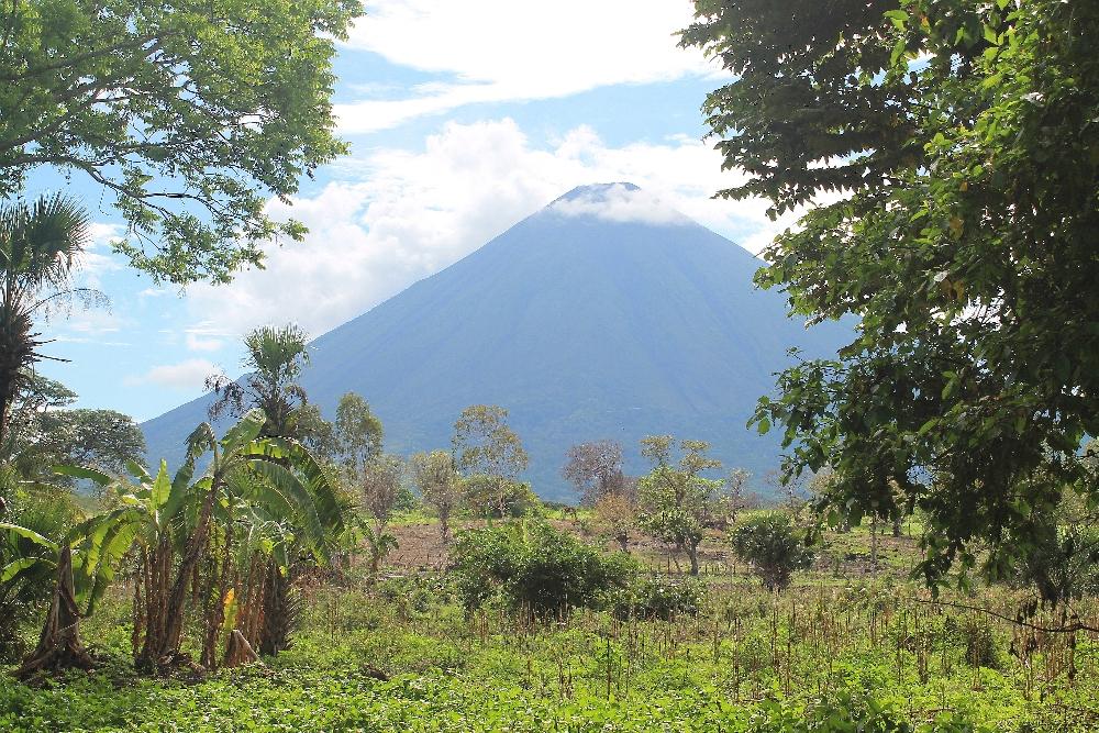 Xalli Ometepe Beach Hotel - Nicaragua - Review - Concepcion Volcano