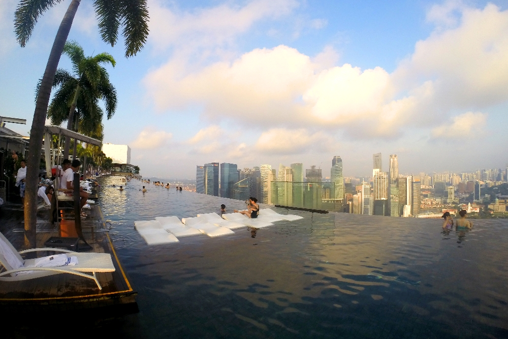 Romantic Date Ideas Singapore - Marina Bay Sands Infinity Pool