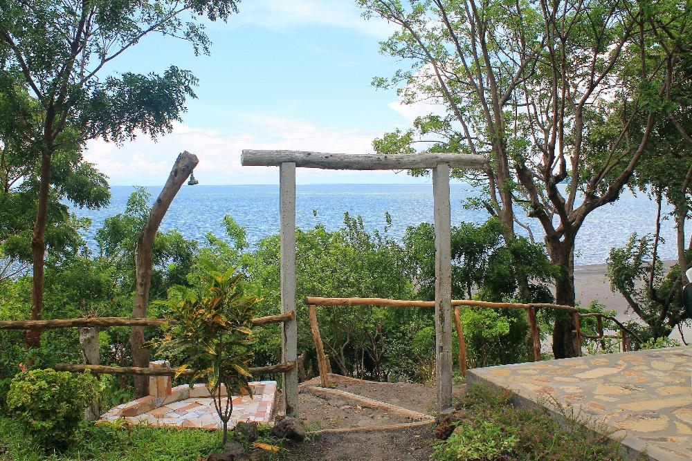 Xalli Ometepe Beach Hotel - Nicaragua - Review - Beachfront Area