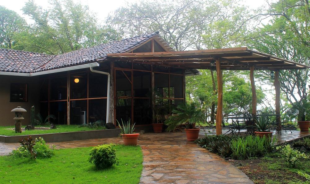 Xalli Ometepe Beach Hotel - Nicaragua - Review - Beachfront Restaurant