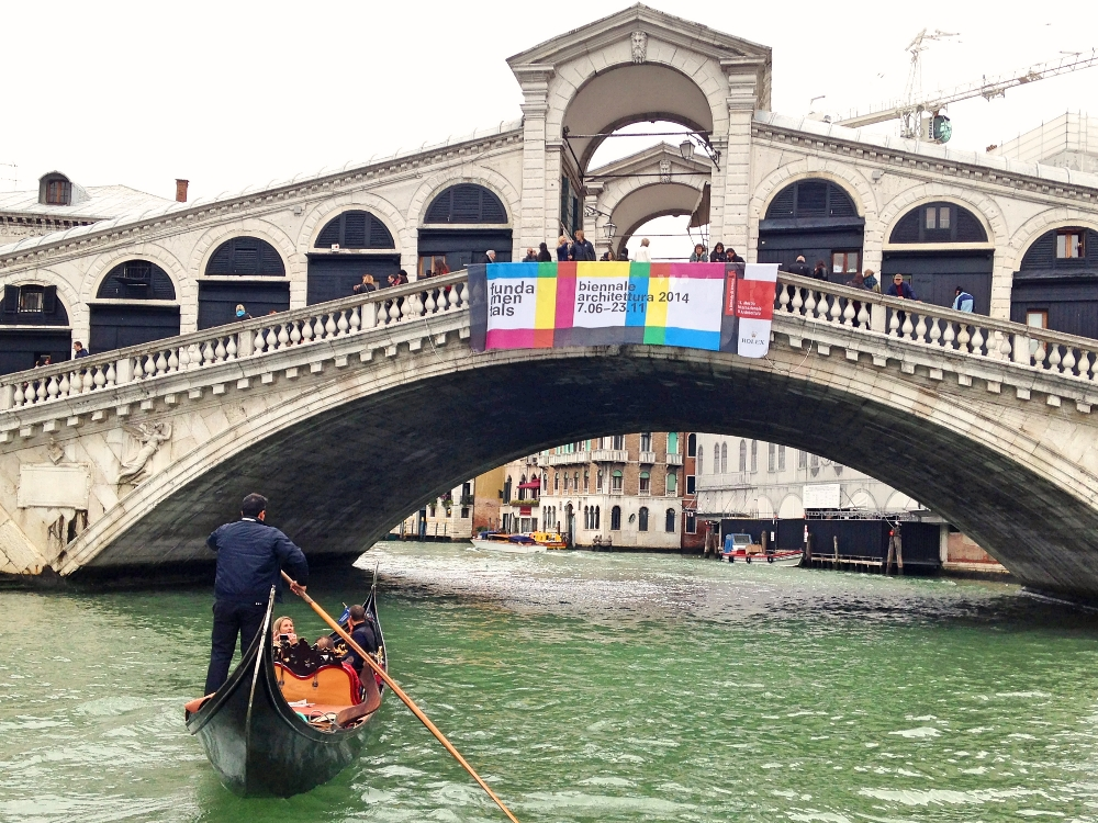 Venice Romantic City Italy Love - Couple Travel - Rialto Bridge