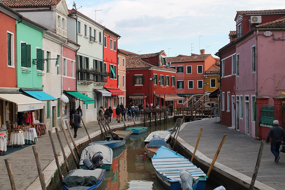 Venice Romantic City Italy Love - Couple Travel - Burano Island