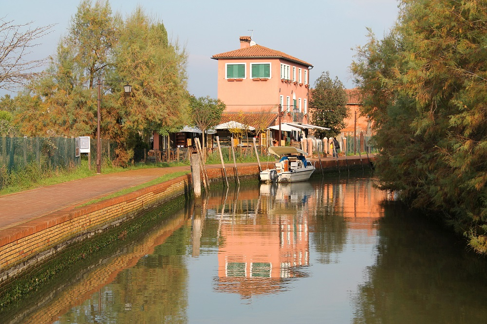 Venice Romantic City Italy Love - Couple Travel - Torcello Island