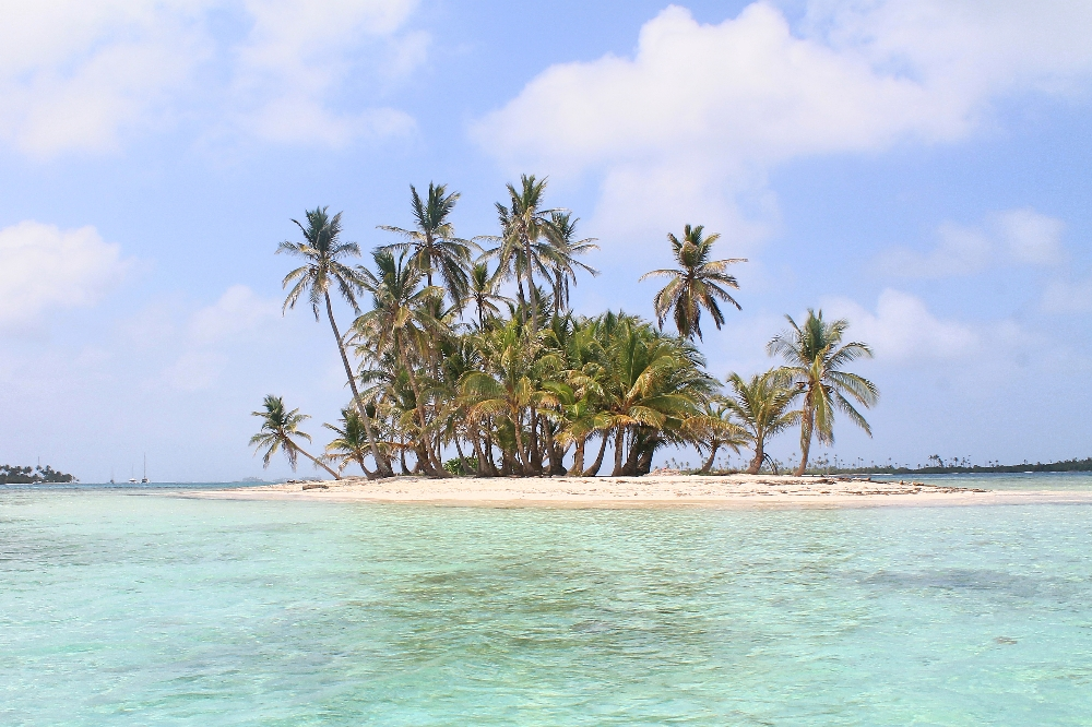 Romantic Journey around the World - Couple Travel - San Blas Islands Panama