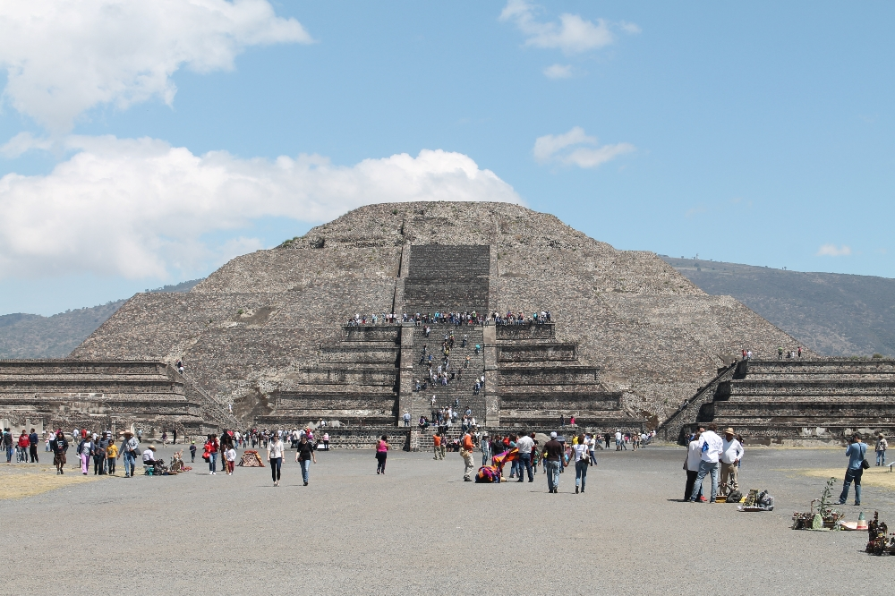 Teotihuacan Day Trip - Ruins near Mexico City - Pyramid of the Moon Plaza
