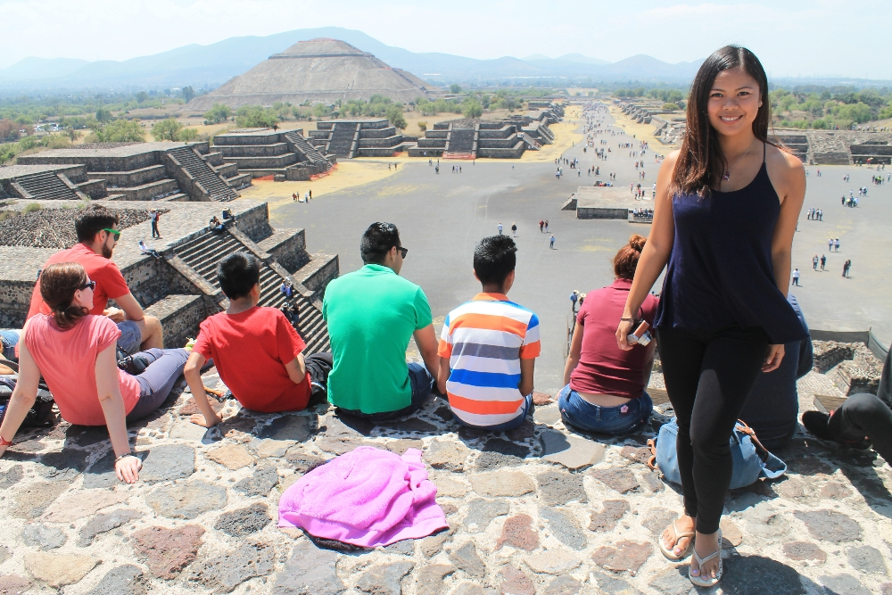 Teotihuacan Day Trip - Ruins near Mexico City - Pyramid of the Moon Top