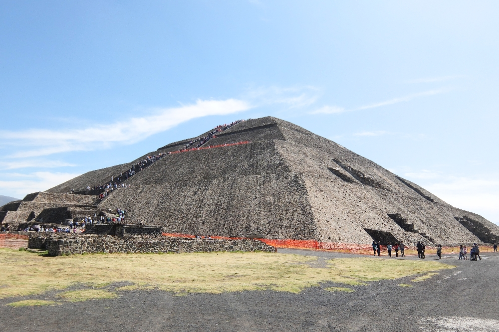 Teotihuacan Day Trip - Ruins near Mexico City - Pyramid of the Sun - Pyramide del Sol