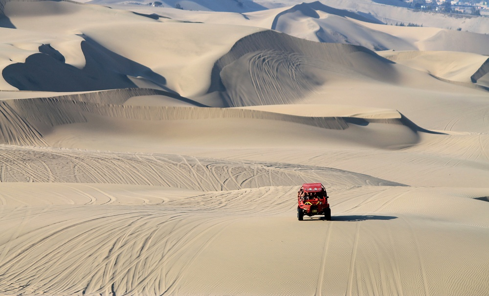 Crazy Dune Buggy Rides And Sandboarding In Huacachina