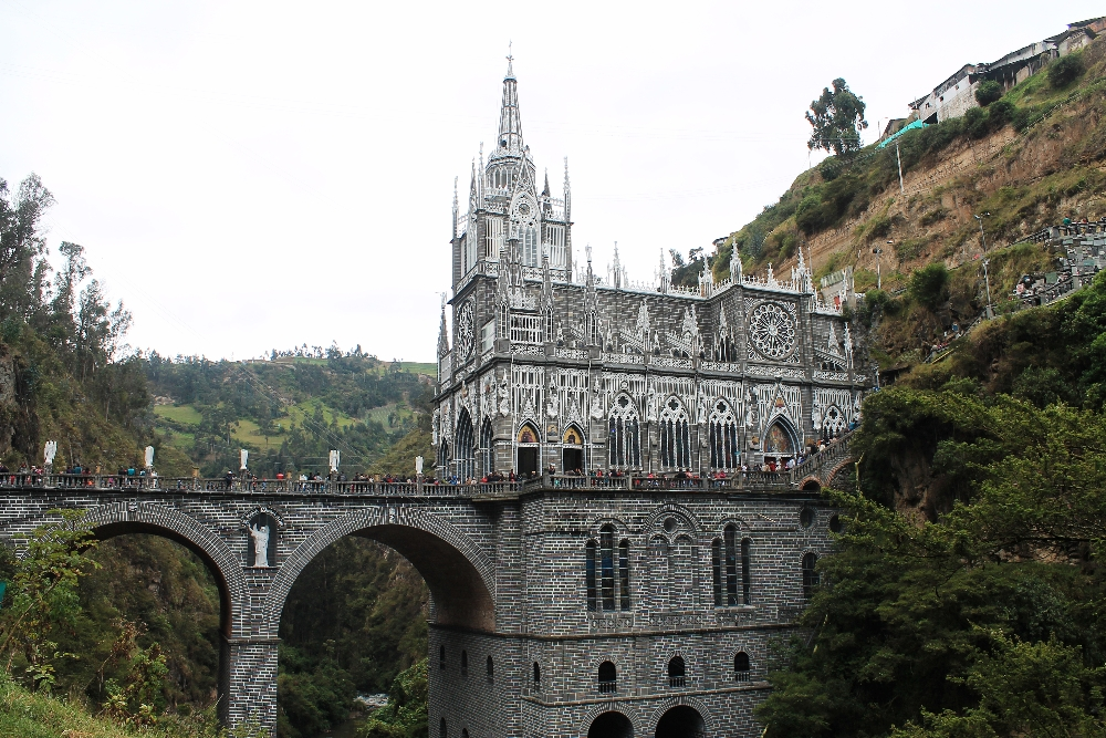 travel-colombia-las-lajas-sanctuary-ipiales