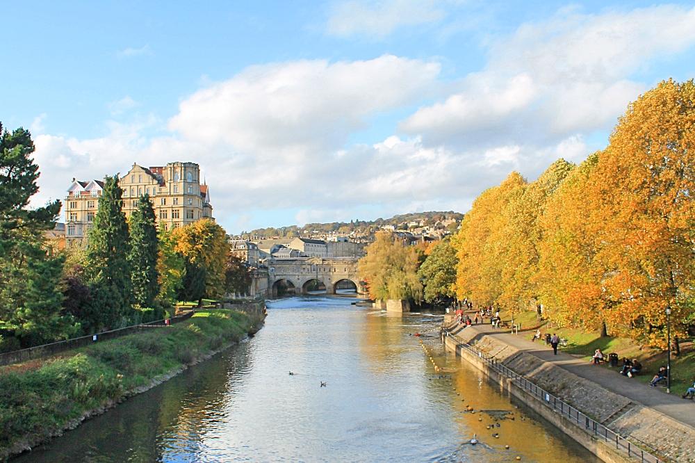 Romantic Journey around the World - Couple Travel - Bath England