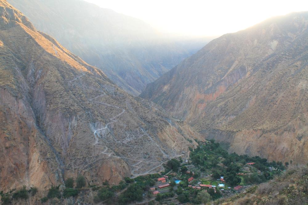 2 Days Colca Canyon Trek - Peru Hike - Oasis Trail