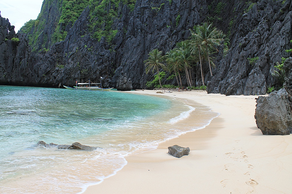 Romantic Journey around the World - Couple Travel - El Nido Philippines