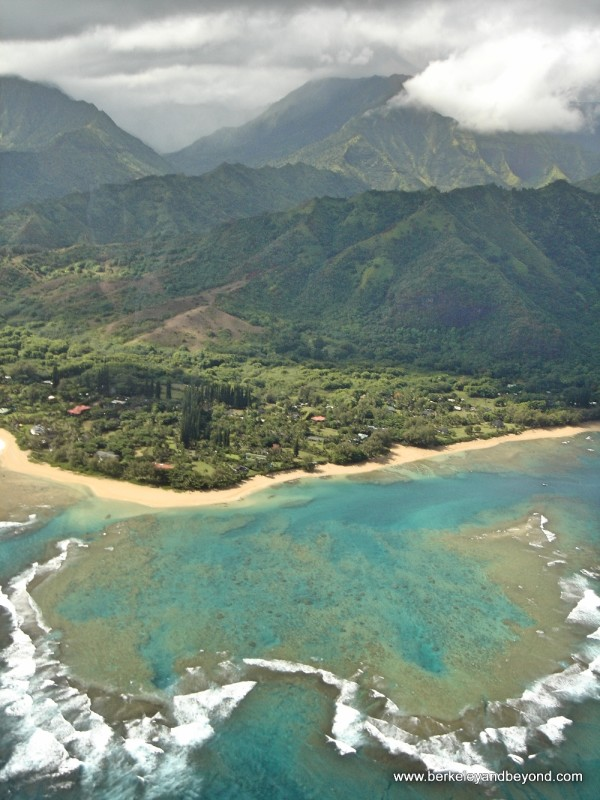 Scenic Flights around the World - Kauai Hawaii