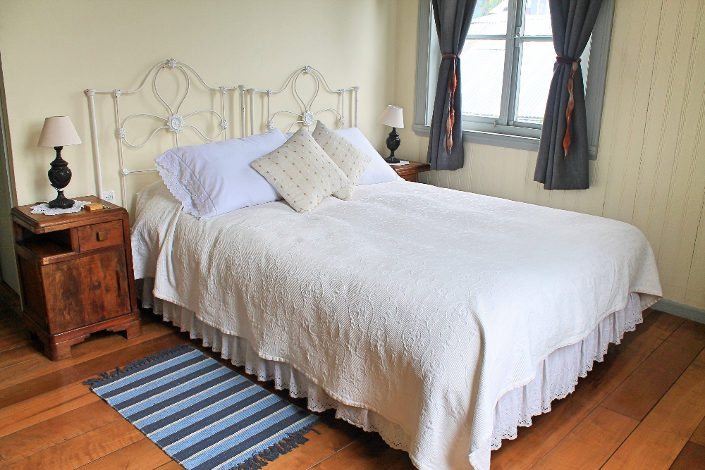The Guest House - Puerto Varas Chile - Review - Bedroom