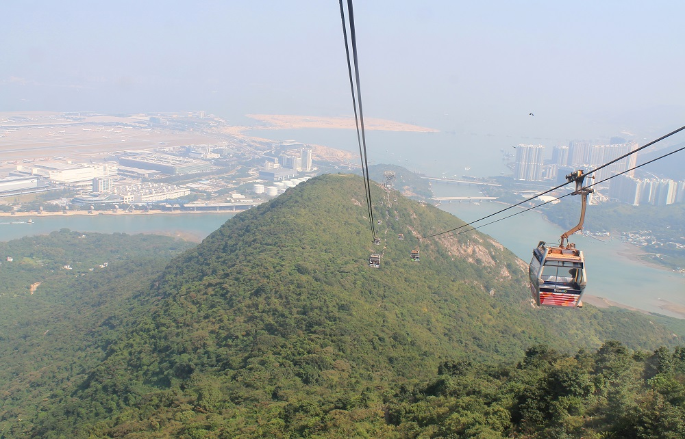 Ngong Ping 360 Lantau Cable Car Hong Kong - Crystal Cabin - Tian Tan Buddha