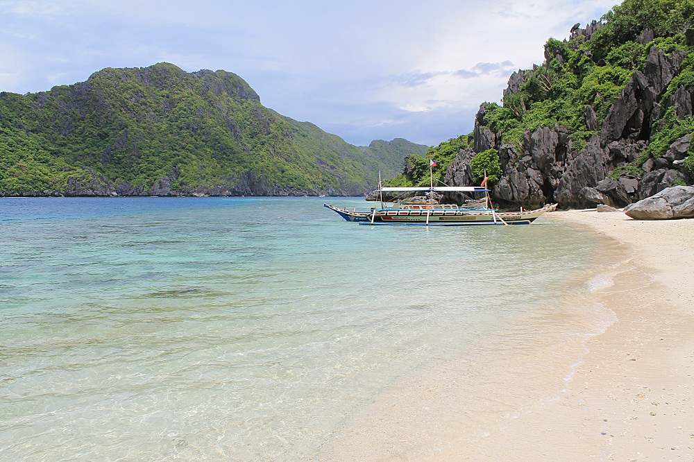 El Nido Palawan Paradise in the Philippines - Beach Island Hopping