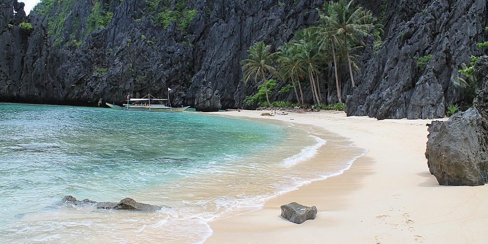El Nido Palawan Paradise in the Philippines - Beach during Island Hopping