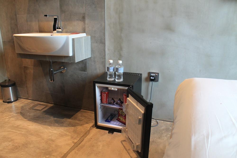 Hotel Yan Singapore Review - Minibar