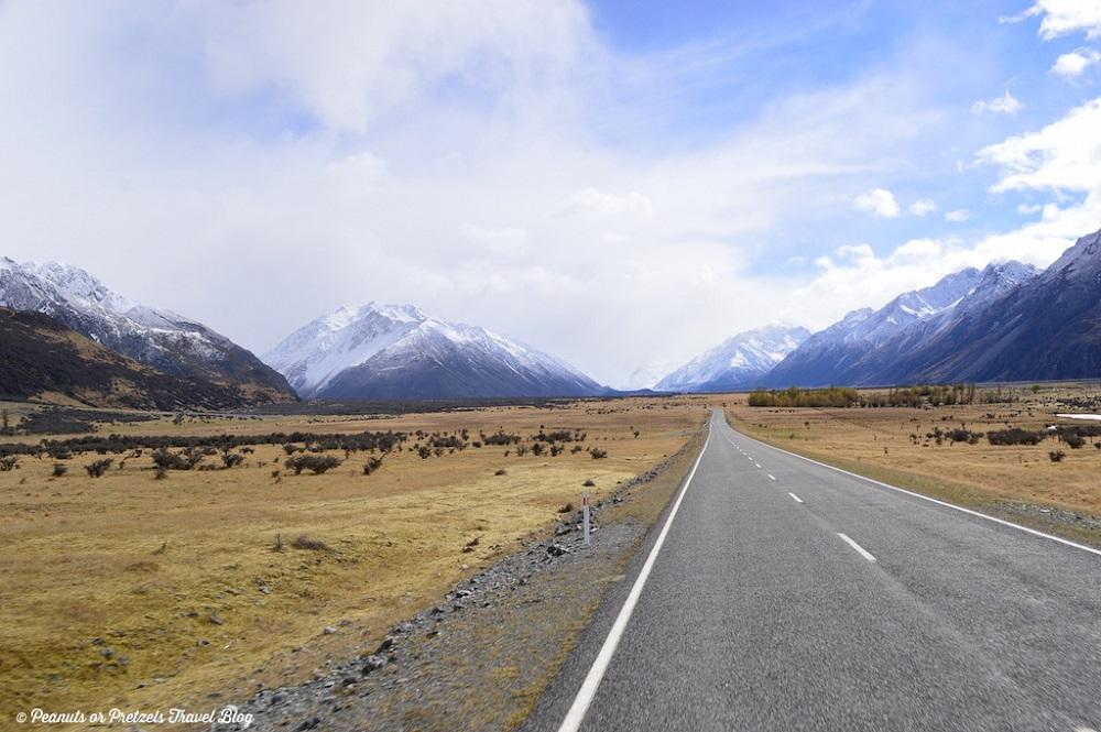 Best Road Photos around the World - Queenstown Milford Sound New Zealand