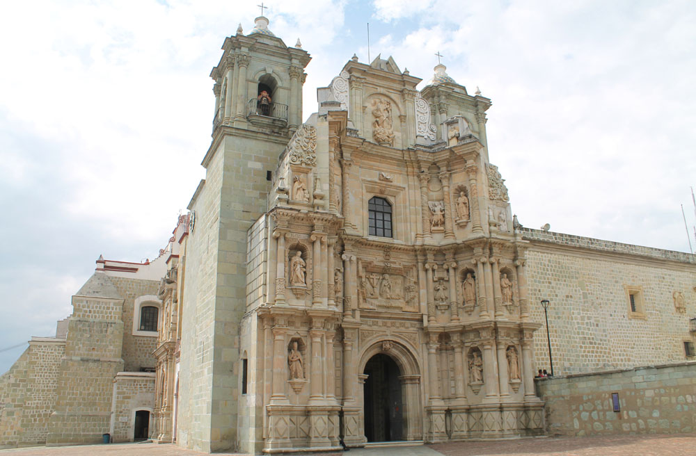 8 Best Colonial Towns and Cities in Mexico - Oaxaca Church