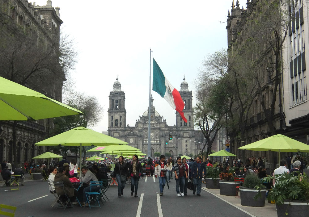 8 Best Colonial Towns and Cities in Mexico - Mexico City Street