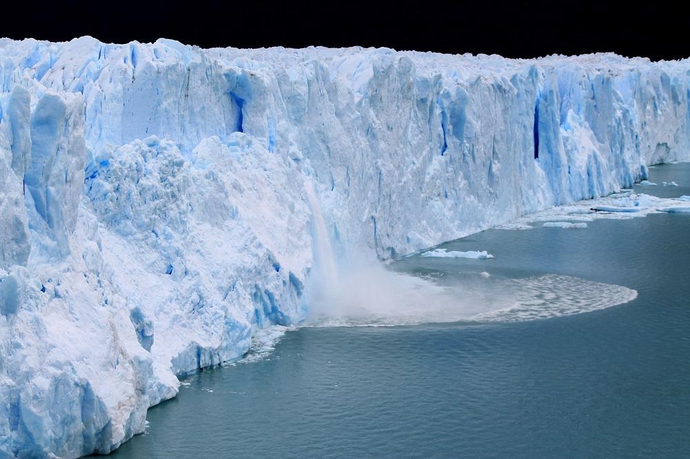 Perito Moreno Glacier - Natural Wonder in Patagonia, Argentina - Rupture