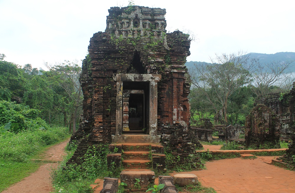 Things to do in Hoi An Vietnam - visiting the My Son ruins