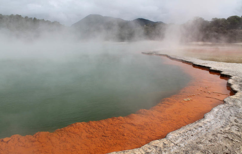 wai-o-tapu-thermal-wonderland-surreal-destination