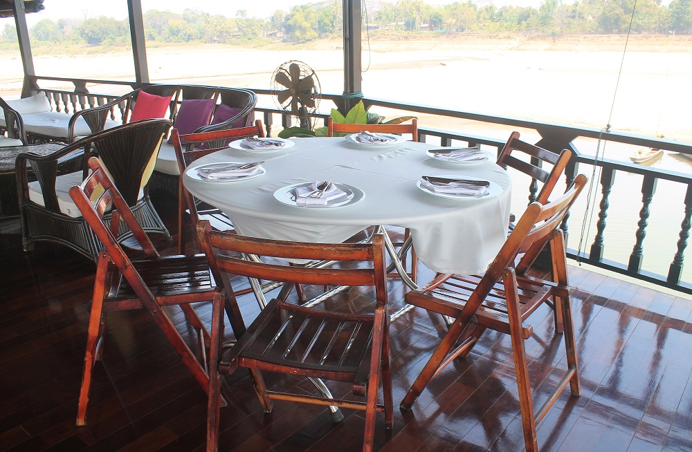 The Vat Phou Cruise Floating Hotel on the Mekong River in Laos - Meals
